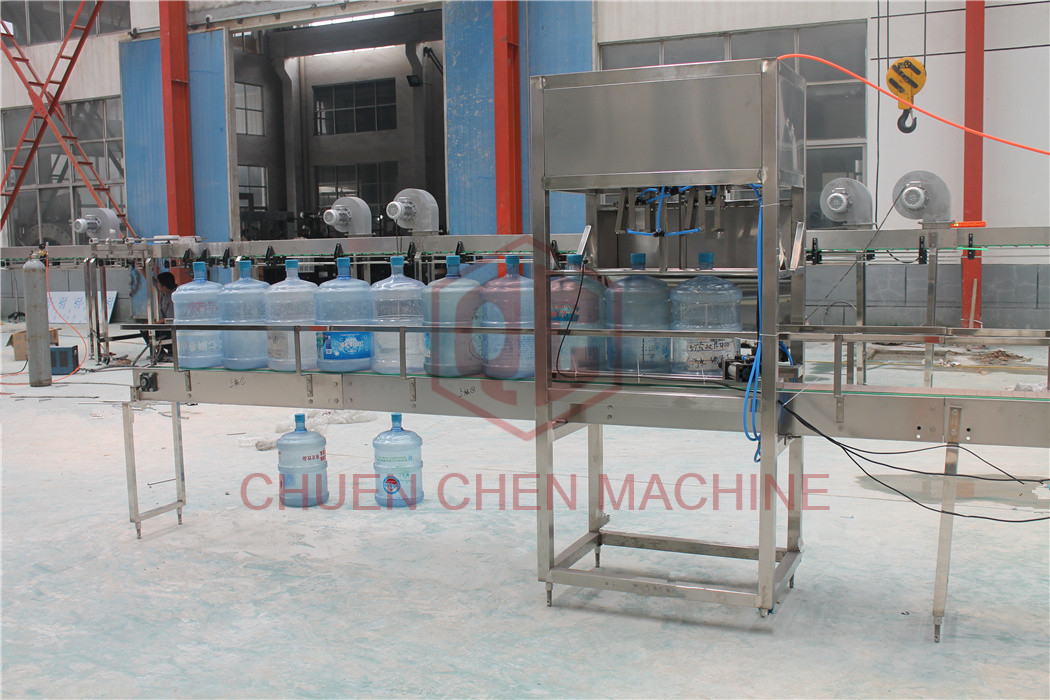 Commercial 20L Barrel Water Filling Production Line 900 Bottles Per Hour
